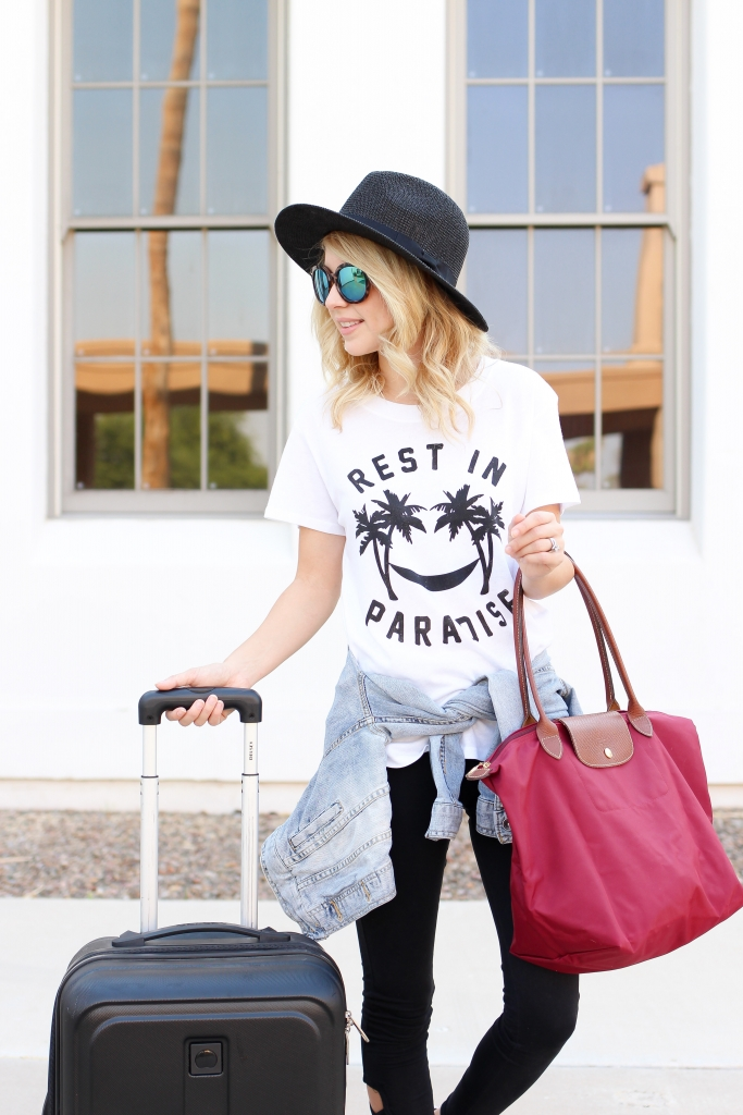 travel style - travel blogger - travel outfit