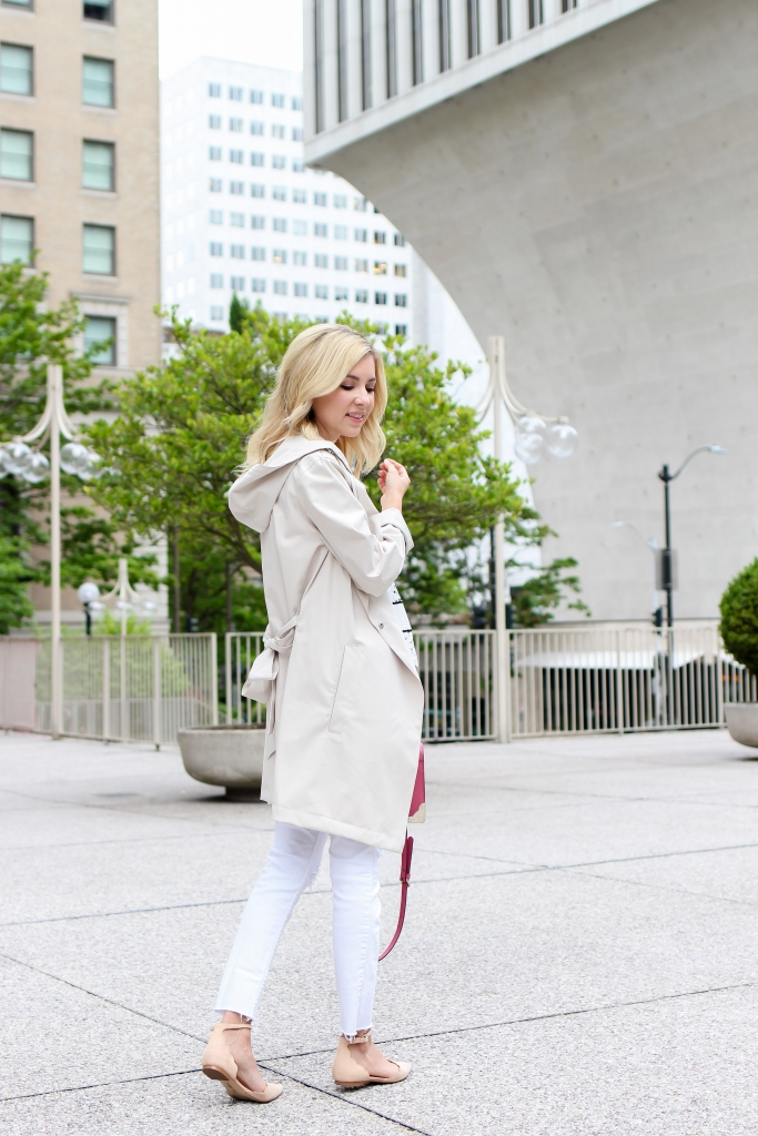Simply Sutter - Bernardo - Trench Coat - White jeans