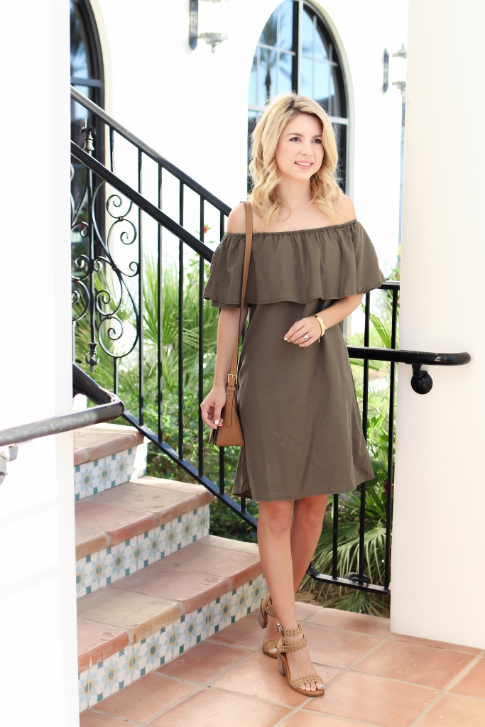 green off the shoulder dress - how to rock the off the shoulder dress - summer style - casual look