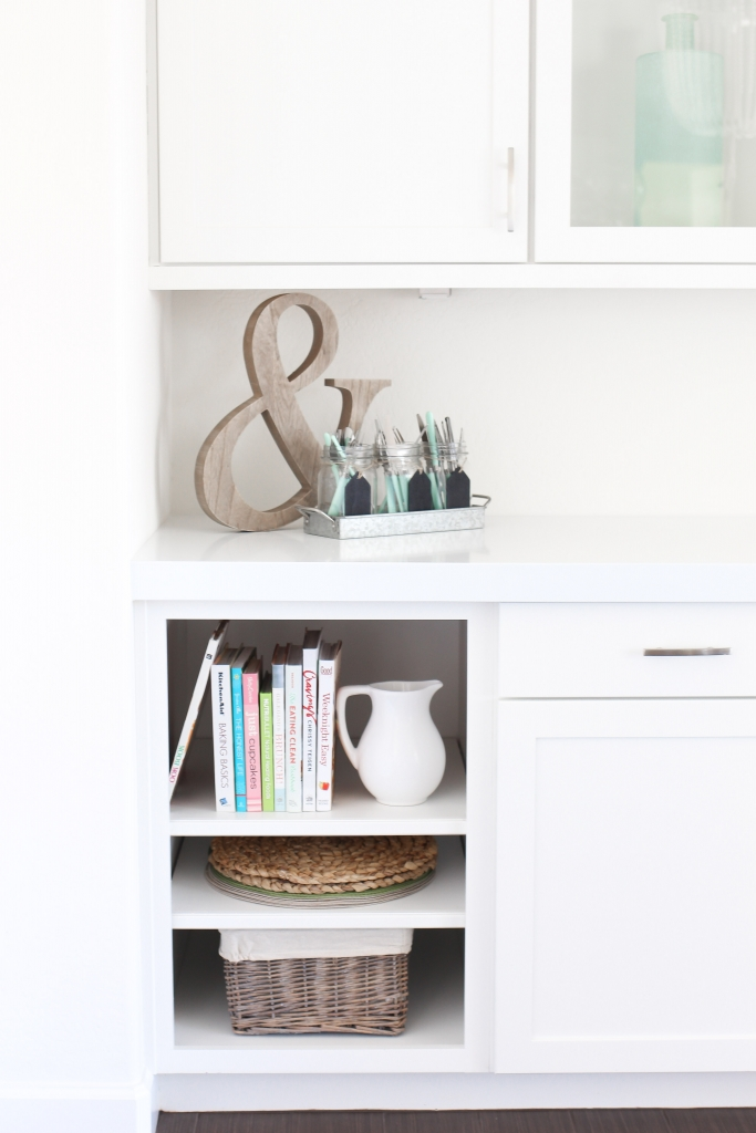 Simply Sutter - Kitchen shelves - White kitchen - nook