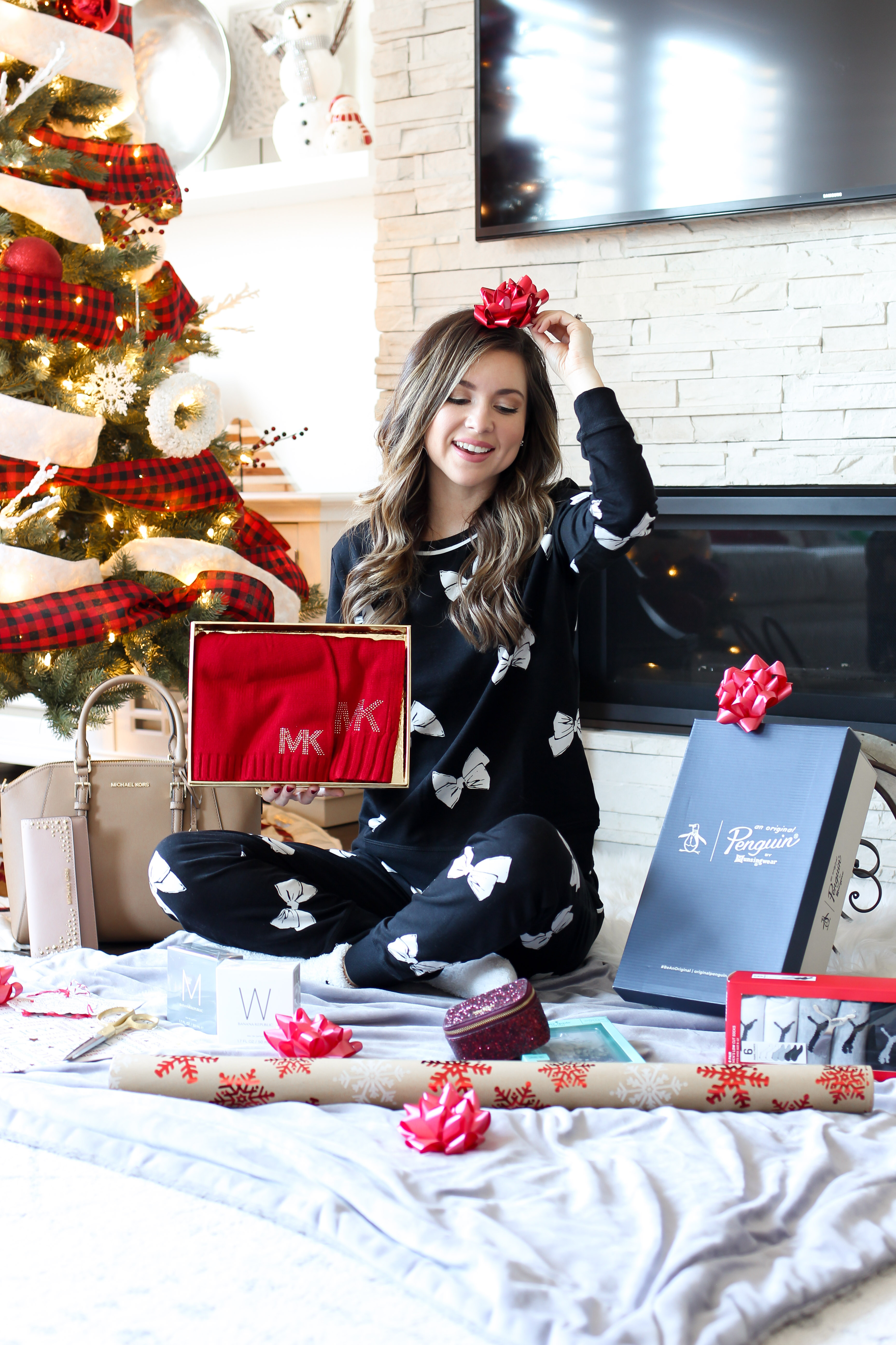 fashion blogger sharing holiday gift times from Michael Kors, kate spade and more