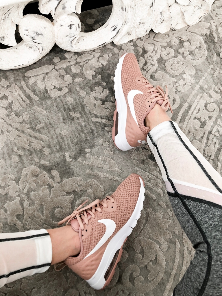 3 Outfits To Wear With Pink Sneakers