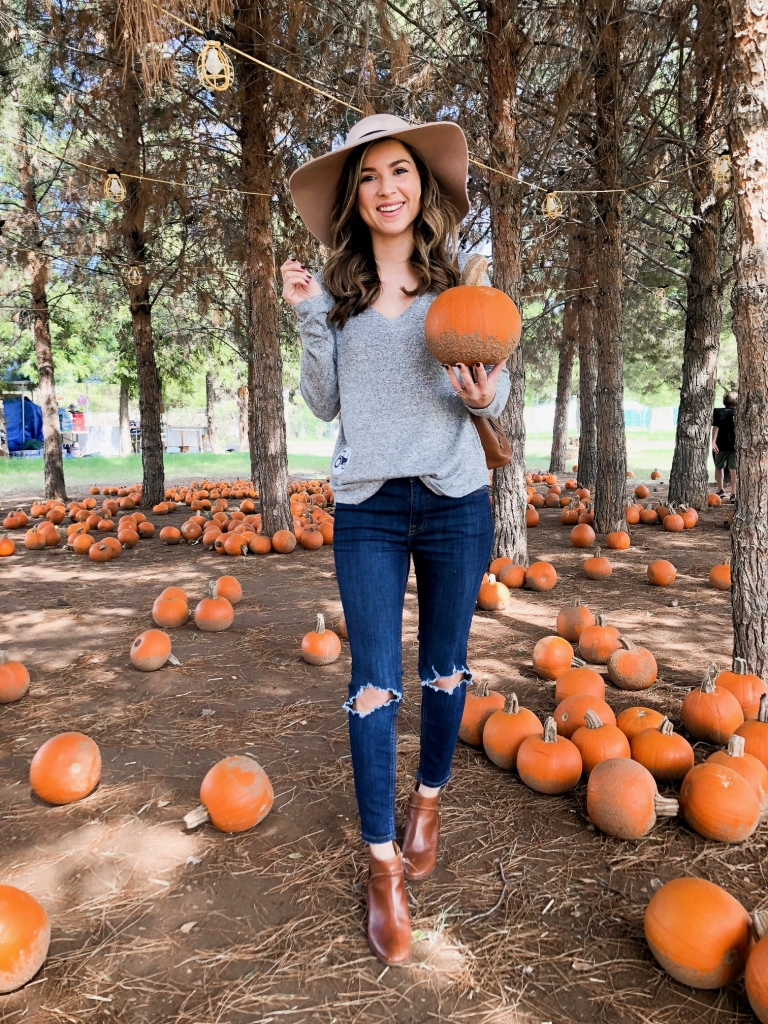 casual pumpkin patch outfit