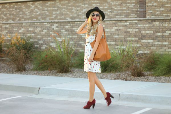 lip print, lip print dress, burgundy booties, style check-in