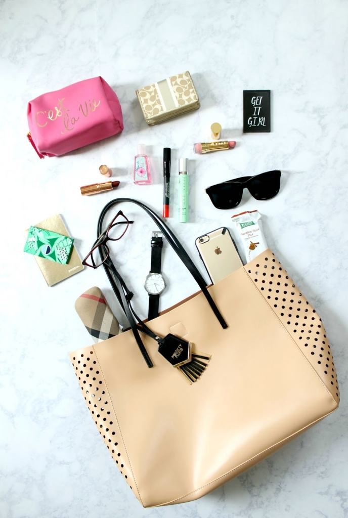 what's in my bag, poverty flats