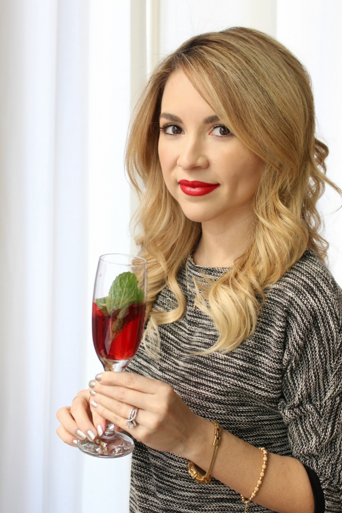 Cranberry Mint Fizz Drink, Prosecco Drink, Drink Recipe, simply sutter