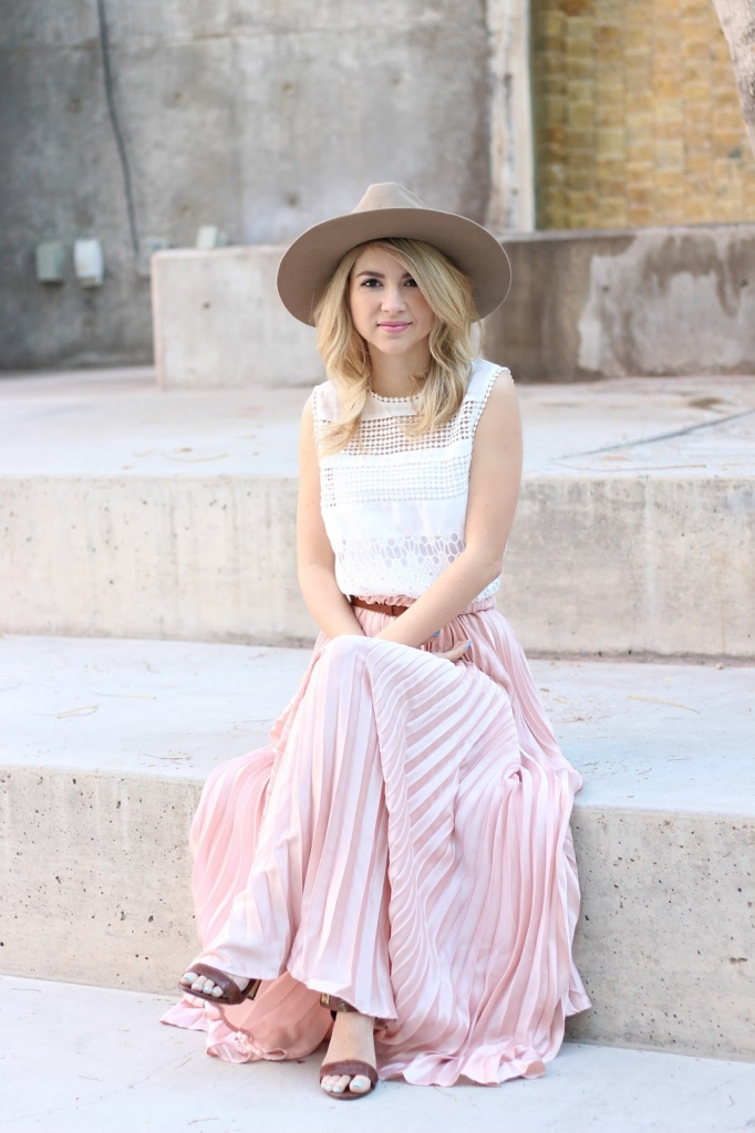 pink maxi, Maxi skirt, edgy boho, eyelet top, simply sutter, spring style