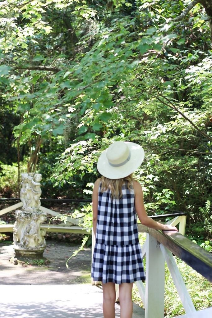 summer fashion - gingham print dress - sun hat