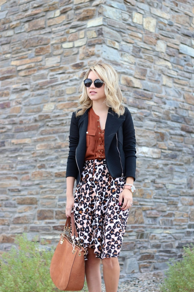 leopard skirt - how to style a leopard skirt - brown and black outfit - h&m skirt