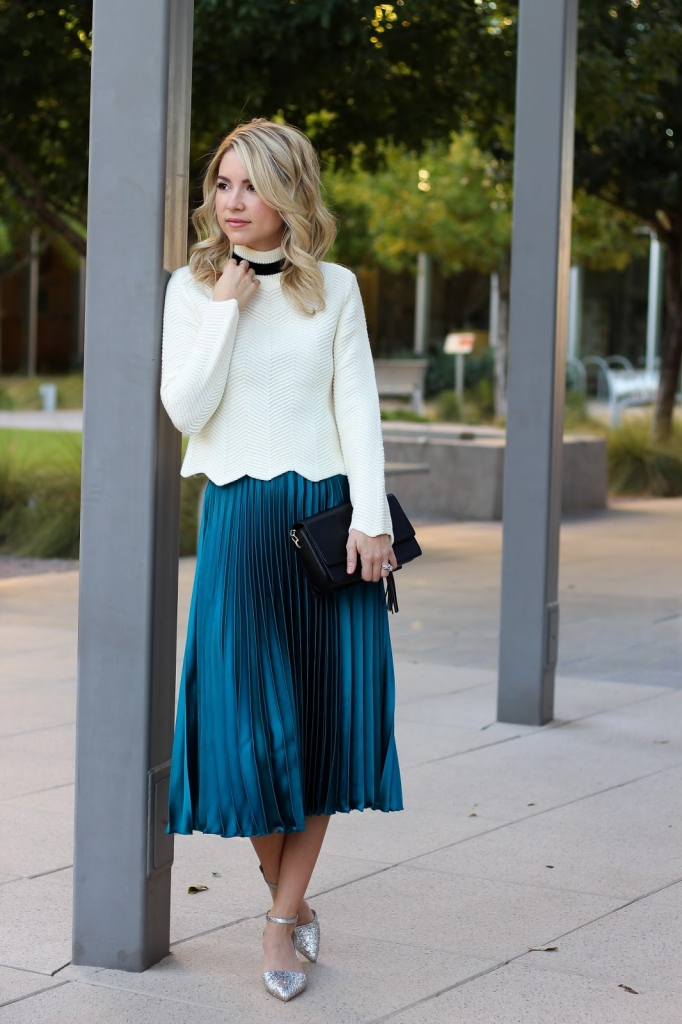 how to wear your midi skirt this winter - midi skirt - sweater style - winter fashion