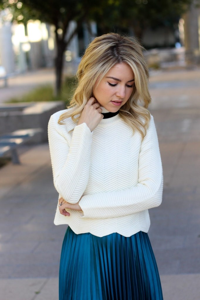 style - ASOS - chevron sweater - chunky sweater - pleated skrit