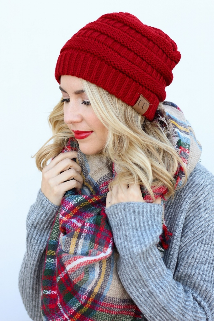 scarf style - plaid - blanket scarf - red lips