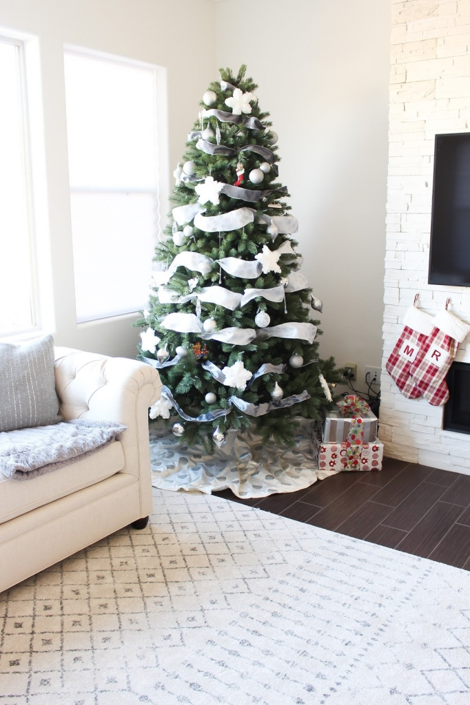 decor - home - lifestyle - white and silver - christmas home - rugs - living room