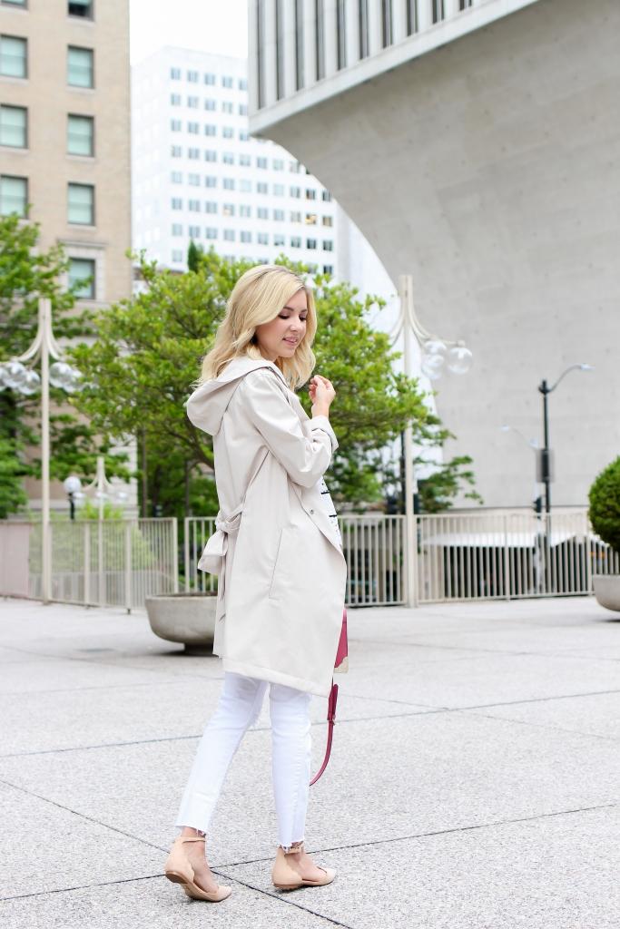 Simply Sutter - Bernardo - Trench Coat - White jeans