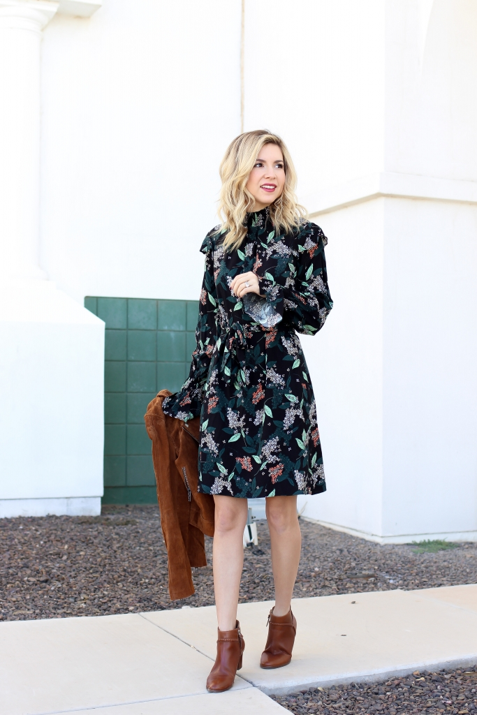 Simply Sutter - Fall Dress - How to wear a dress for fall - Smock Dress
