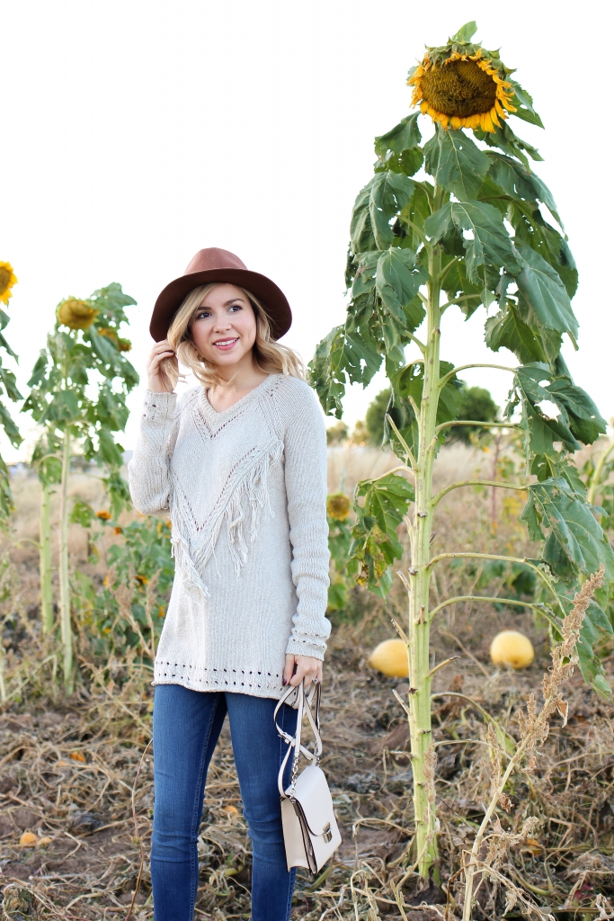 Simply Sutter - Fringe Sweater - what to wear to pick pumpkins