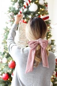Simply Sutter - Bow in hair - velvet bow - francescas