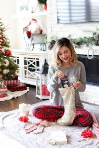 Simply Sutter - Stocking Stuffers - pop socket - glitter stocking - francescas