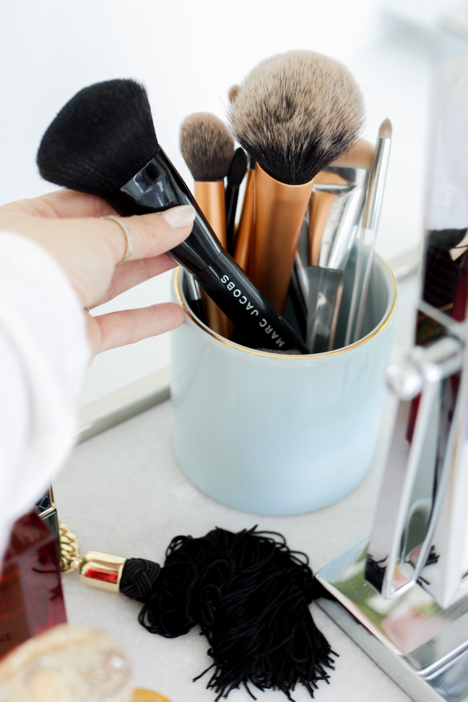 Simply Sutter - How I organize my vanity - makeup vanity