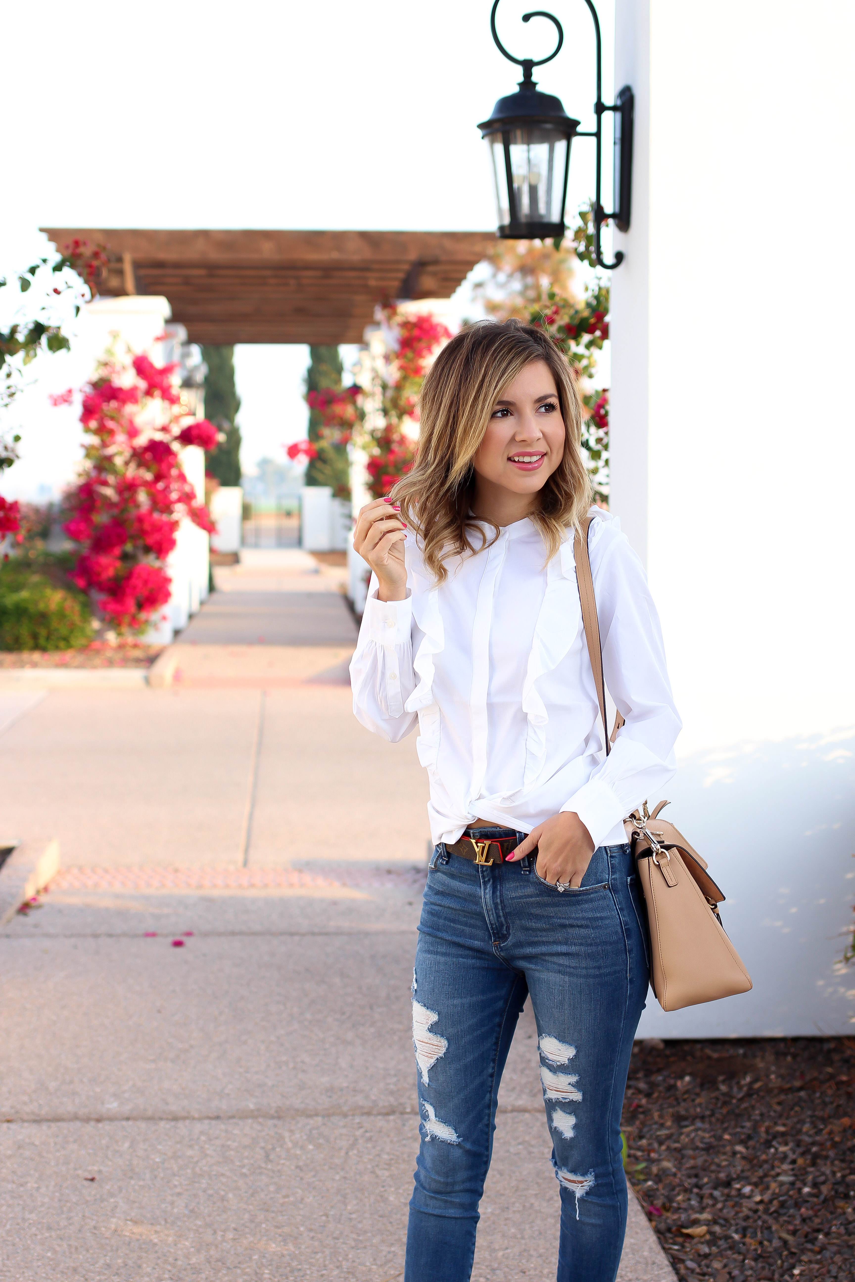 Simply Sutter - Casual Style - denim outfit - ruffle blouse