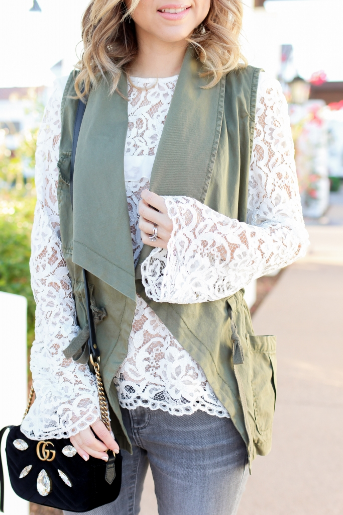 Simply Sutter - Spring look - cargo vest - casual style - lace blouse