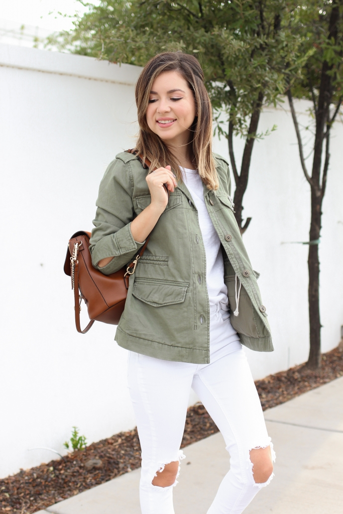 how to wear olive jacket - utility jacket - fall white jean outfit - best fall outfits