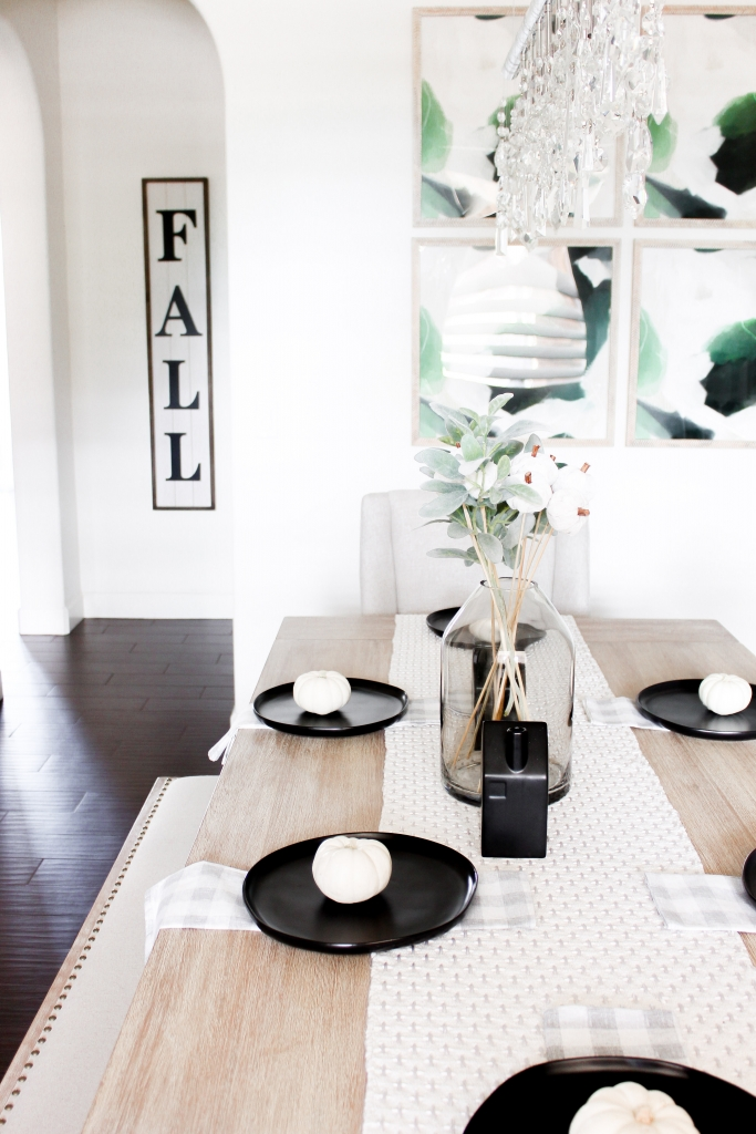 Modern Farmhouse Dining room - modern farmhouse style - fall dining room decor