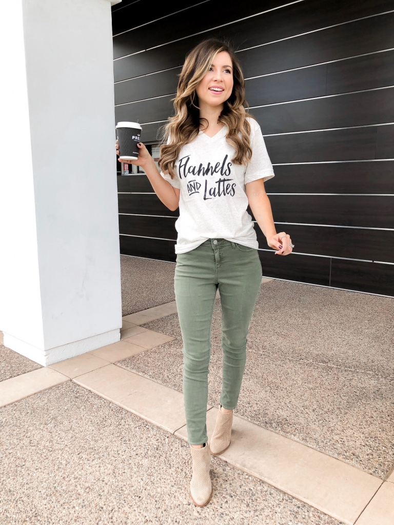 Graphic tees and how to style them - graphic tee - casual fall tee