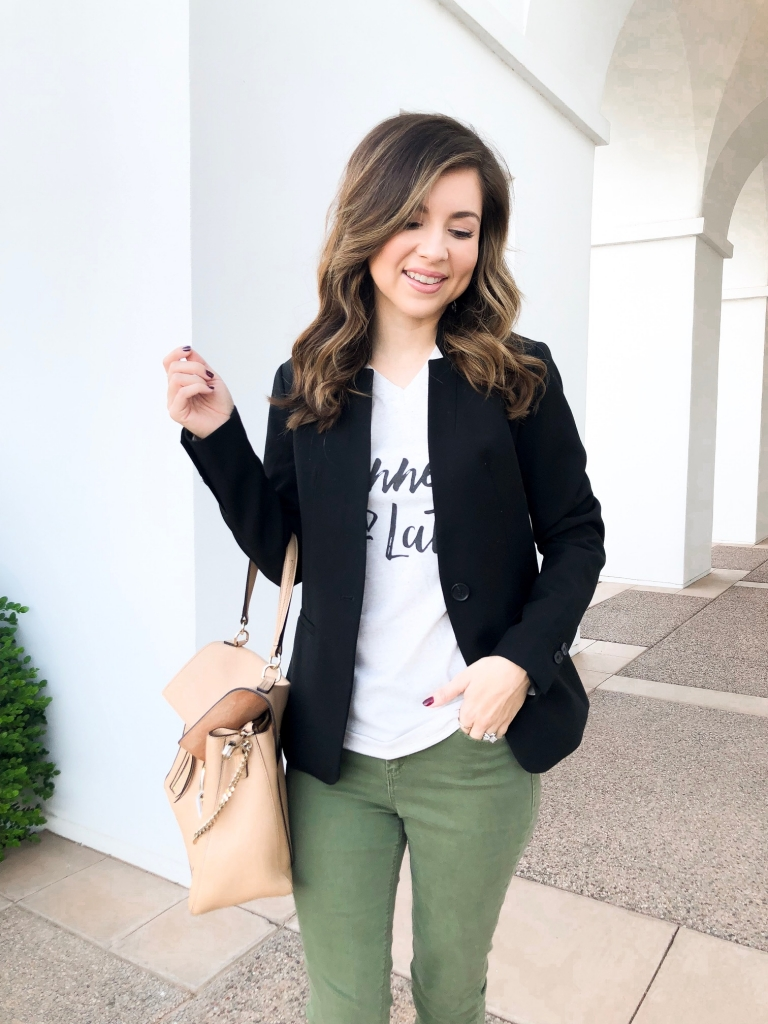 casual fall outfit - fall blazer outfit - how to style a blazer for fall - graphic tee