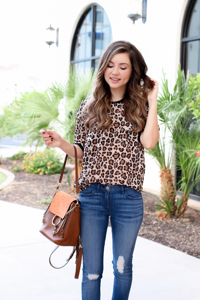 6 leopard tops of fall - leopard tops - casual fall outfit - simply sutter