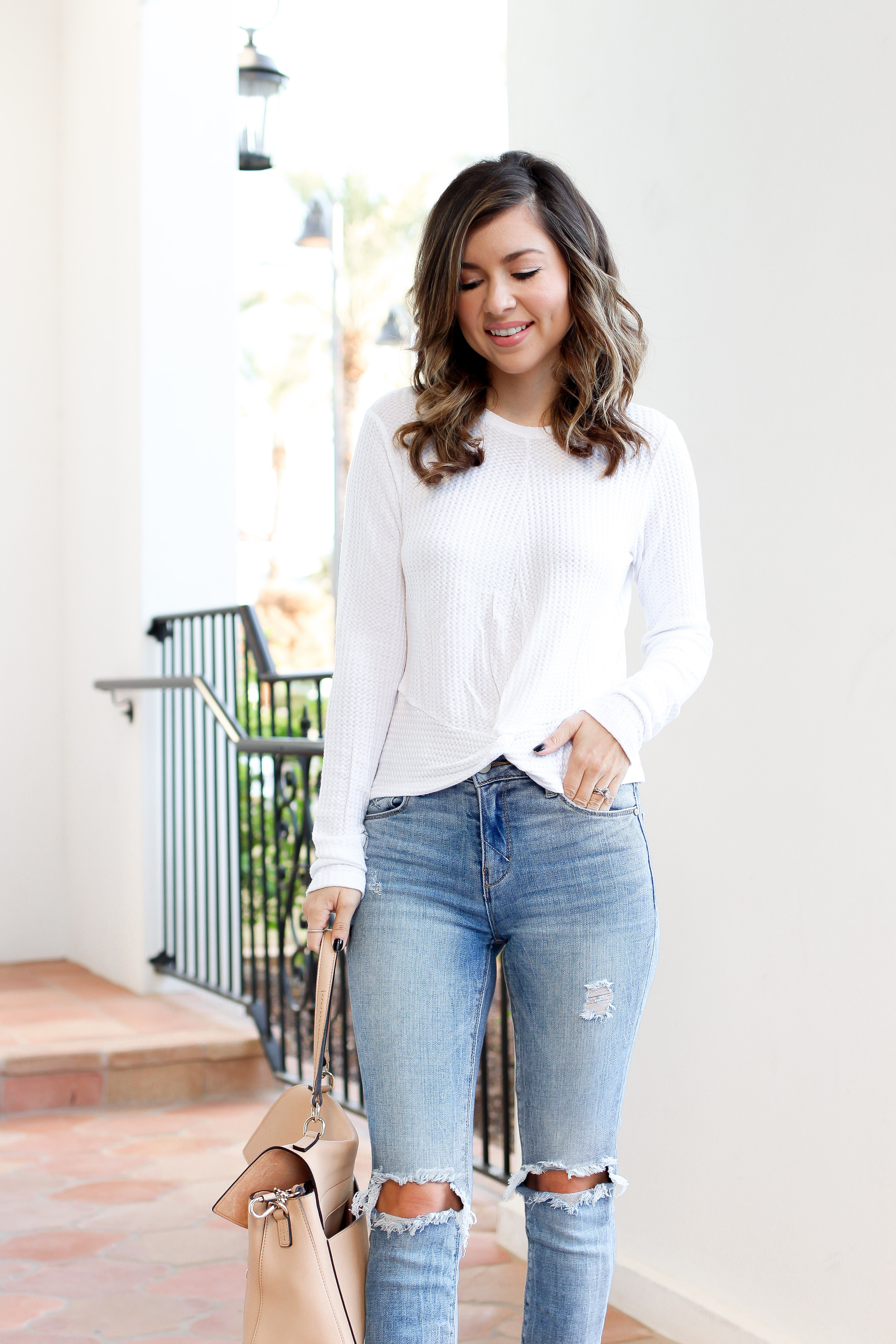 knotted front tops - knot tops - casual jean outfit - best fall outfits - simply sutter